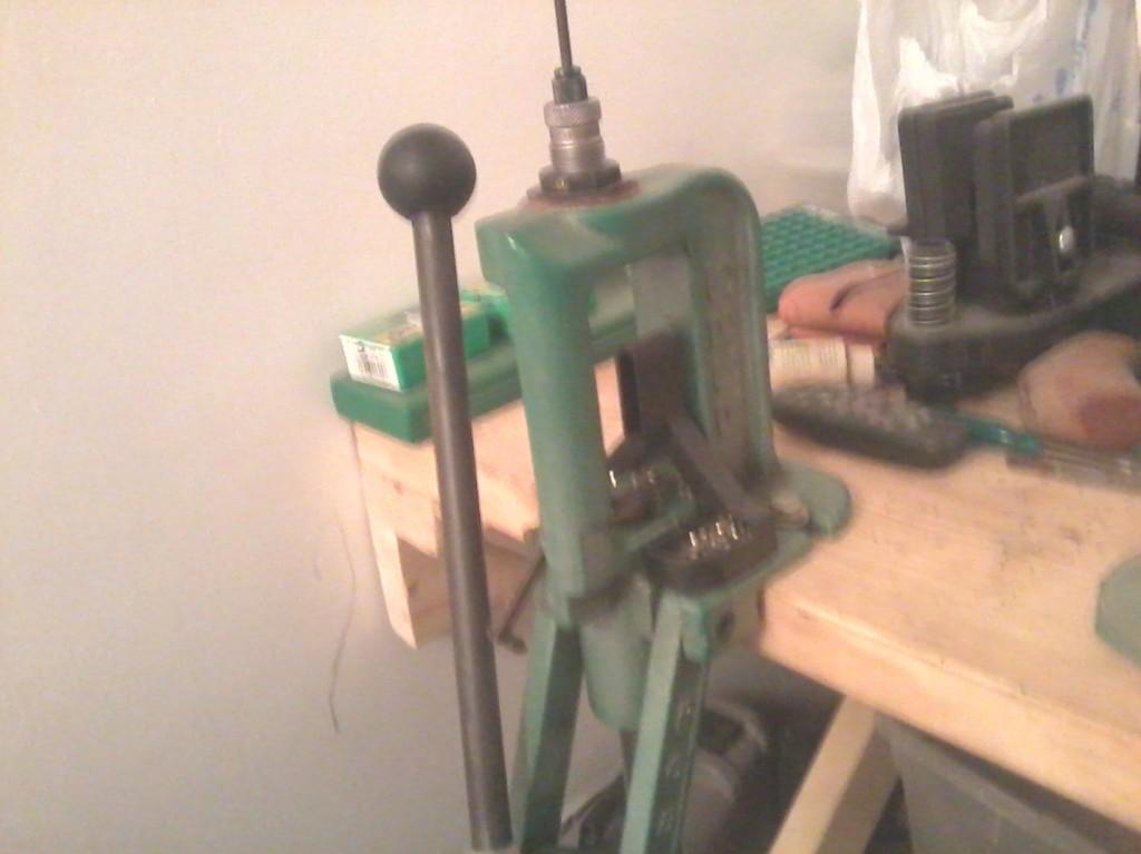 Reloading press