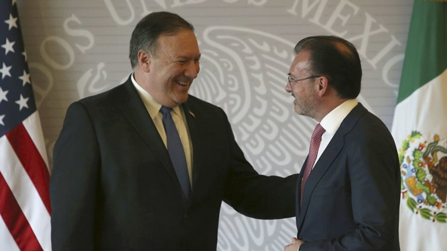 Mike Pompeo feels pressure to reunite migrant families during visit to Mexico