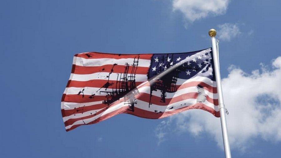 University of Kansas flies blackened American flag to represent American polarization