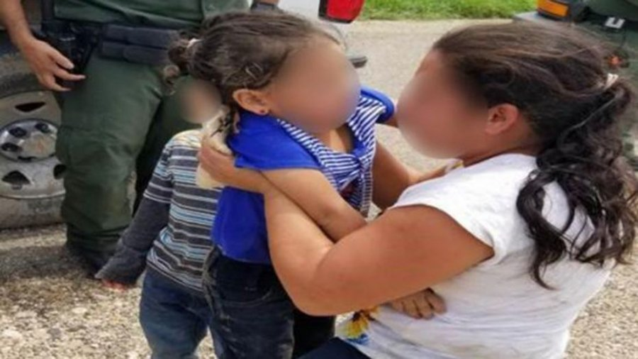 Border Patrol agents rescue abandoned 3-year-old girl in Texas