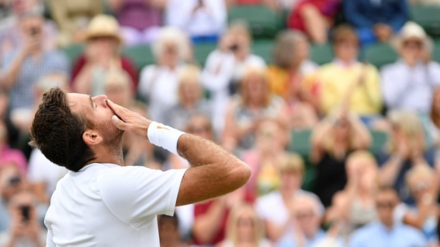 Del Potro scraps past Simon to set up Nadal clash