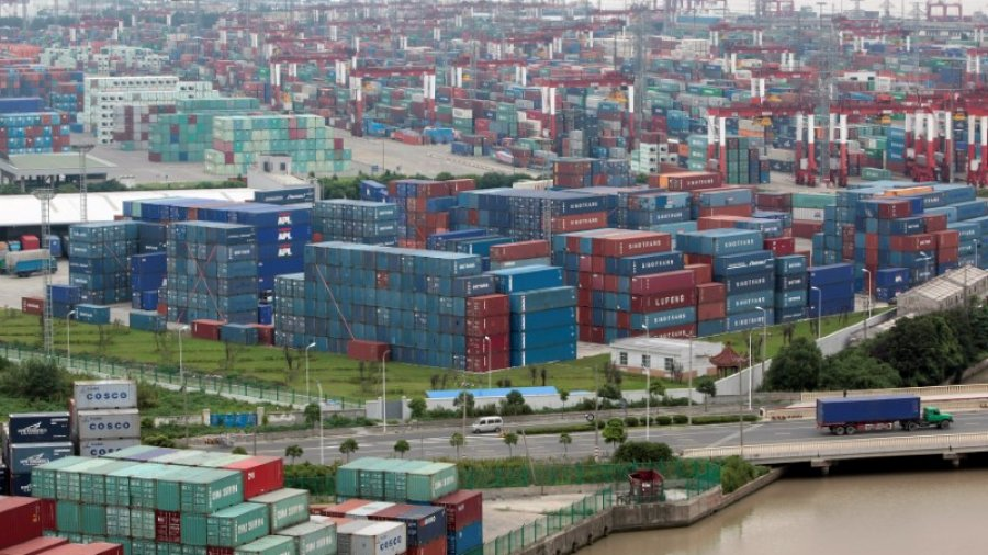 China's record trade surplus with U.S. risks further inflaming trade tensions