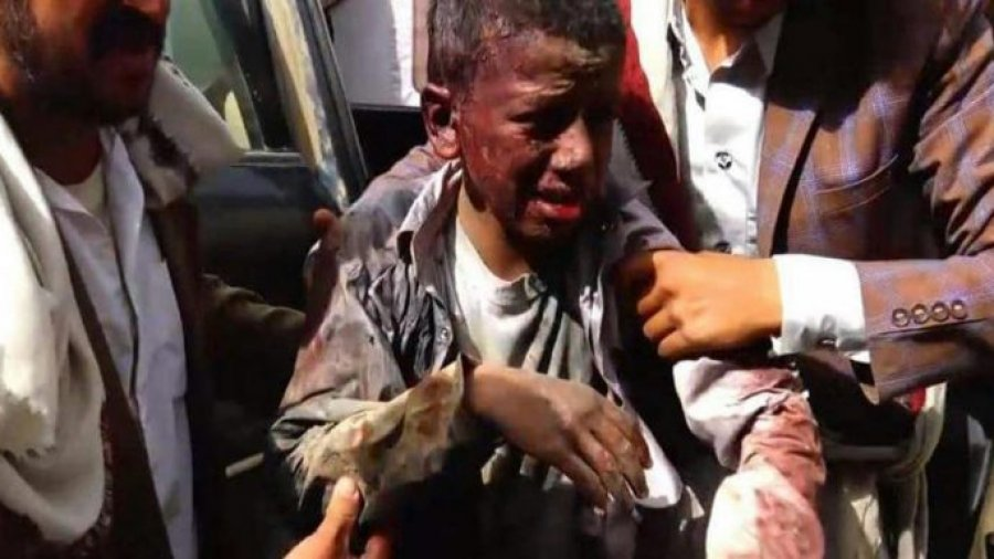 Dozens killed in Saudi coalition airstrike on a bus in Yemen — many of them children