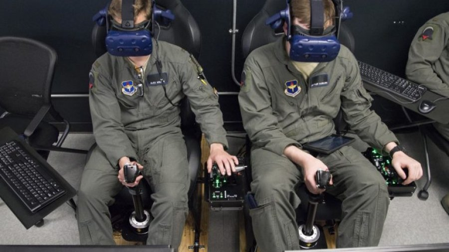 Air Force willing to pay $300K for ideas that revolutionize pilot training