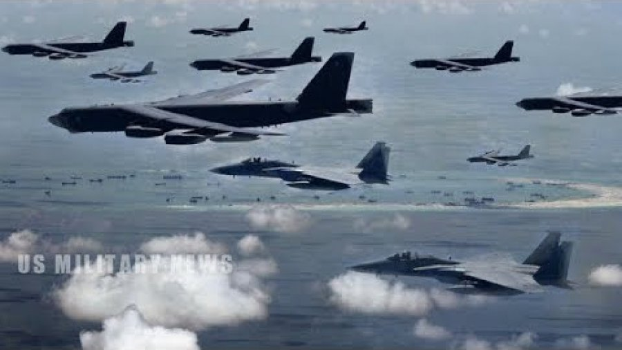 US B-52 Bombers Ignore Beijing's 'GREAT WALL' of Missiles with South China Sea Flights